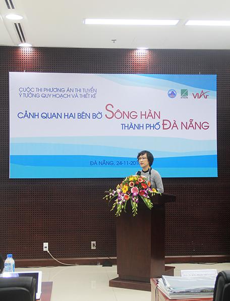 Phó Viện trưởng Phạm Thúy Loan phát biểu tại lễ khai mạc
