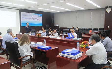 Viện trưởng Đỗ Thanh Tùng phát biểu tại buổi làm việc của Hội đồng