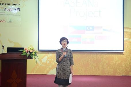 Phó Viện trưởng Phạm Thúy Loan với vai trò dẫn chương trình
