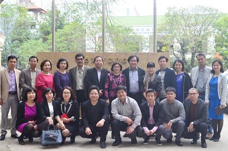 Thứ trưởng Bộ Xây dựng Phan Thị Mỹ Linh thăm và chúc tết Viện Kiến trúc Quốc gia