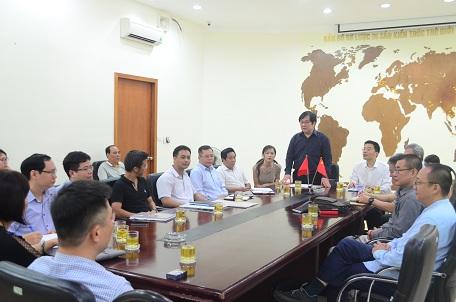 Viện trưởng Viện Kiến trúc Quốc gia Đỗ Thanh Tùng phát biểu tại buổi làm việc