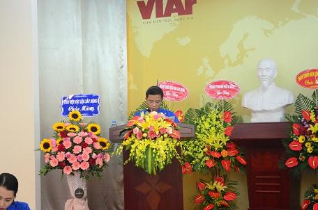 Đồng chí Nguyễn Thanh Tùng - Bí thư Đoàn Thanh niên Viar báo cáo tổng kết hoạt động Đoàn