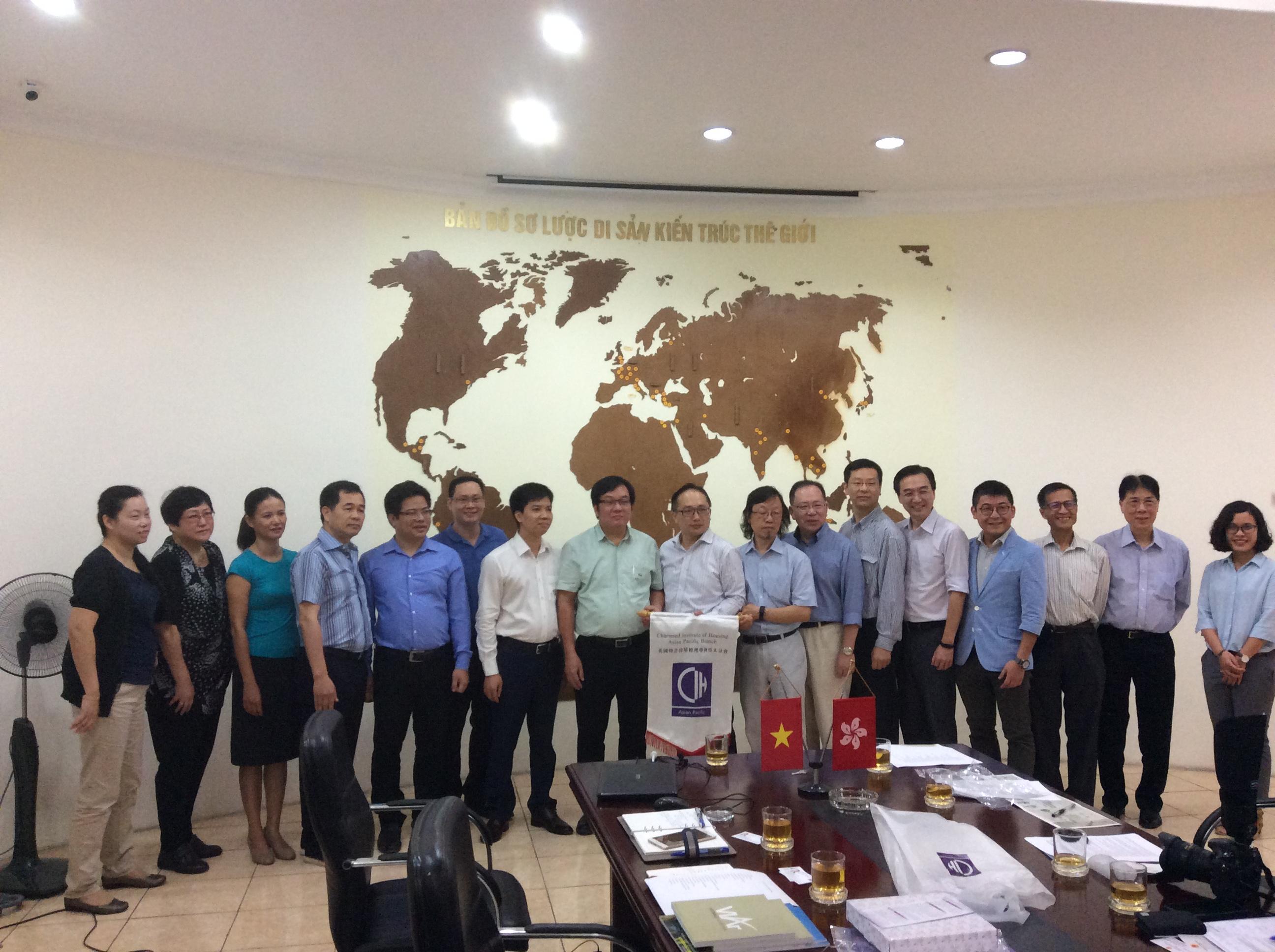 Lãnh đạo Viện Kiến trúc Quốc gia làm việc với chuyên gia Viện Nhà ở Châu Á Thái Bình Dương