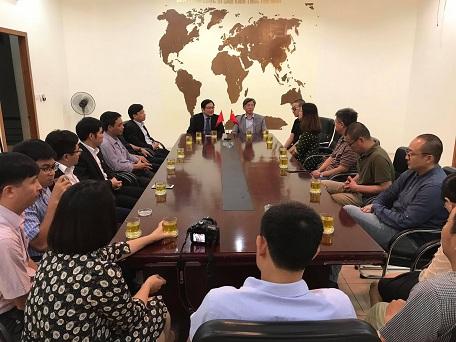 Viện KTQG làm việc với Viện Mỹ thuật Trung Quốc trong dịp khánh thành Cung Hữu nghị Việt Trung