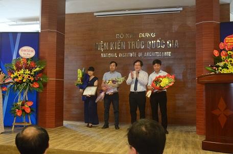 Đại diện 03 đơn vị giành giải Nhất