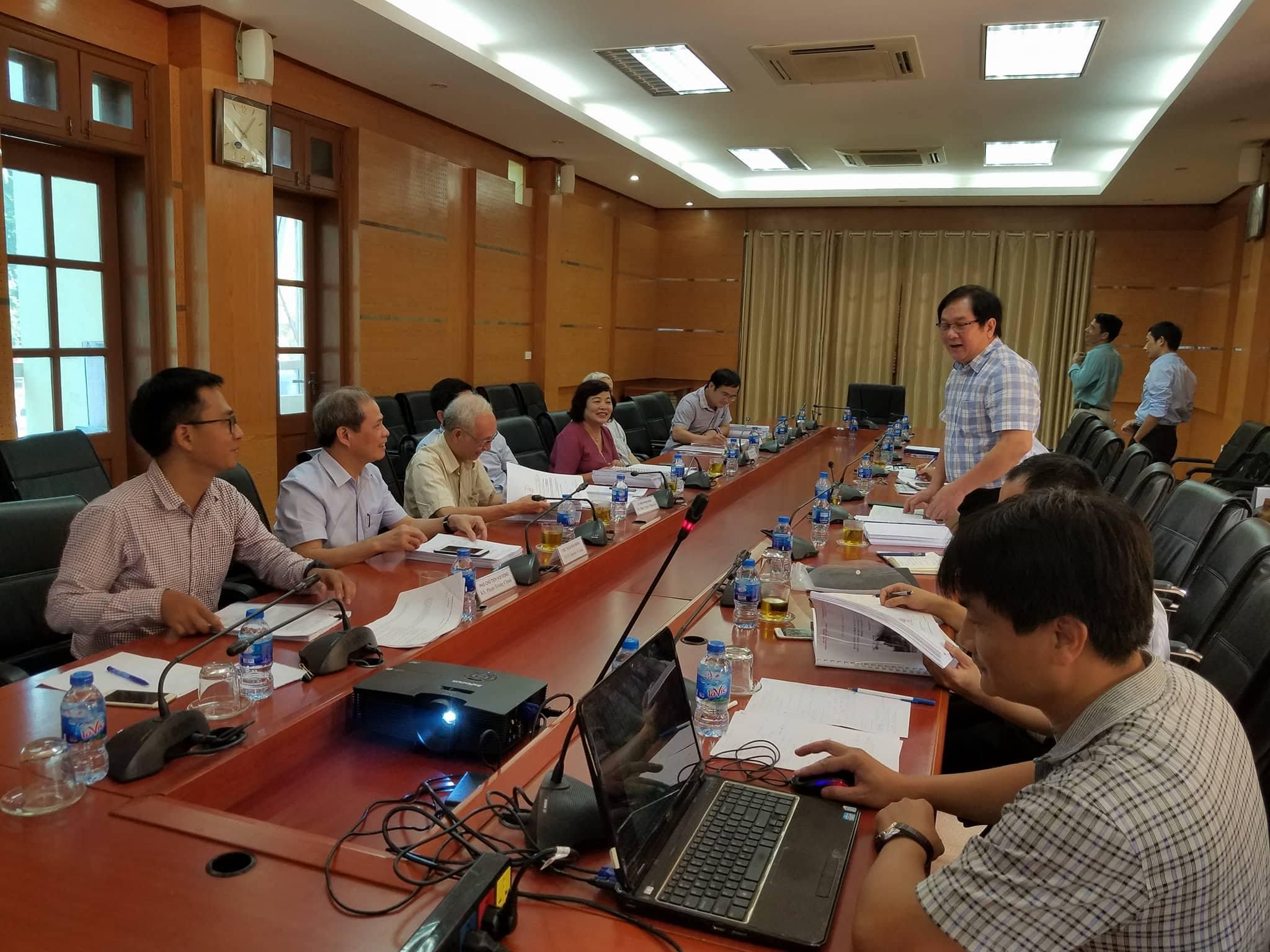 """Họp nghiệm thu đề tài """"Bảo tồn phát triển làng nghề truyền thống thành phố Hà Nội gắn với phát triển du lịch"""""""