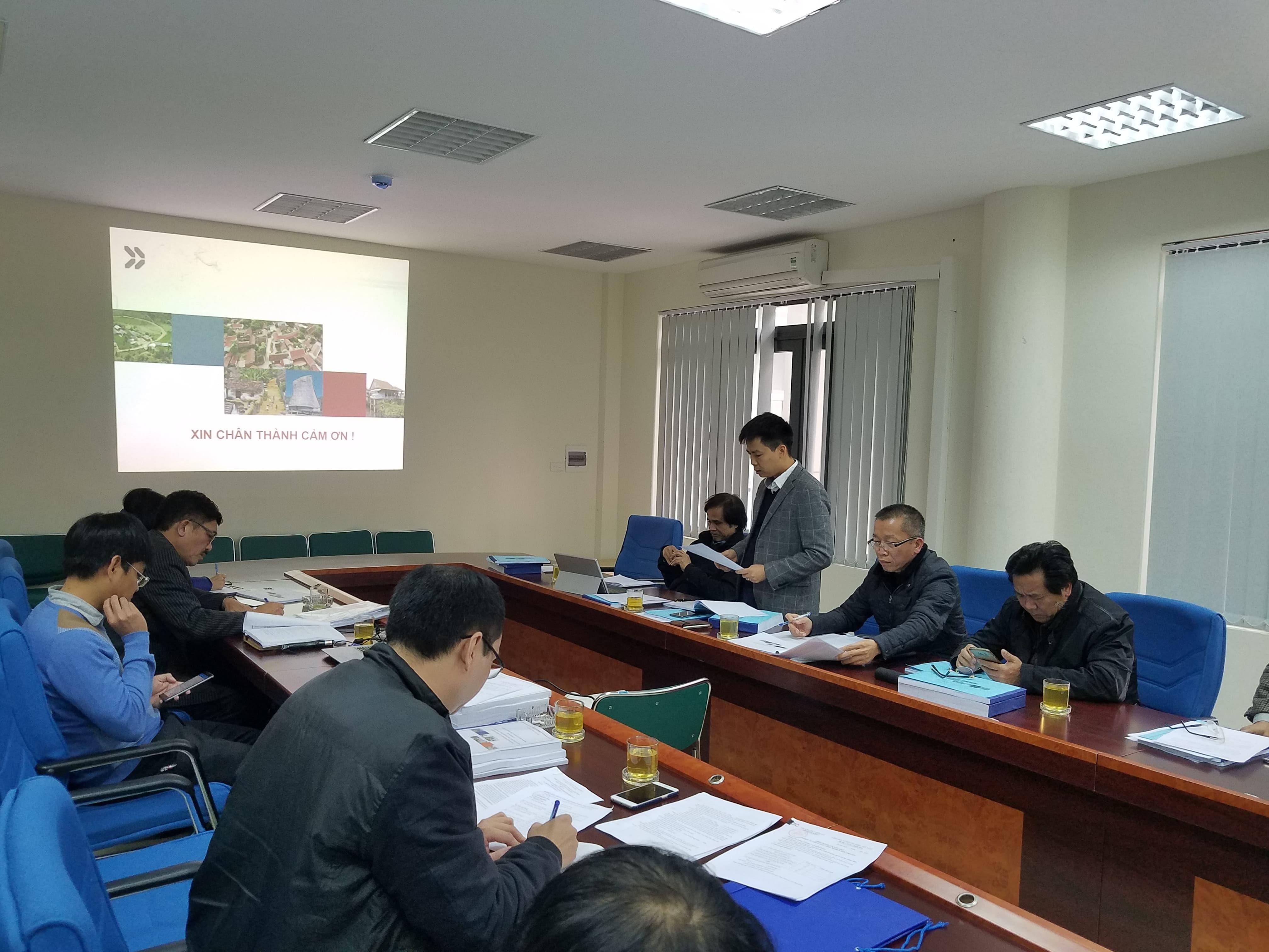 3 ông Hà Quang Hưng - Phó Cục trưởng Cục Quản lý Nhà và Thị trường Bất động sản (Bộ Xây dựng) thành viên hội đồng nghiệm thu phát biểu tại buổi làm việc