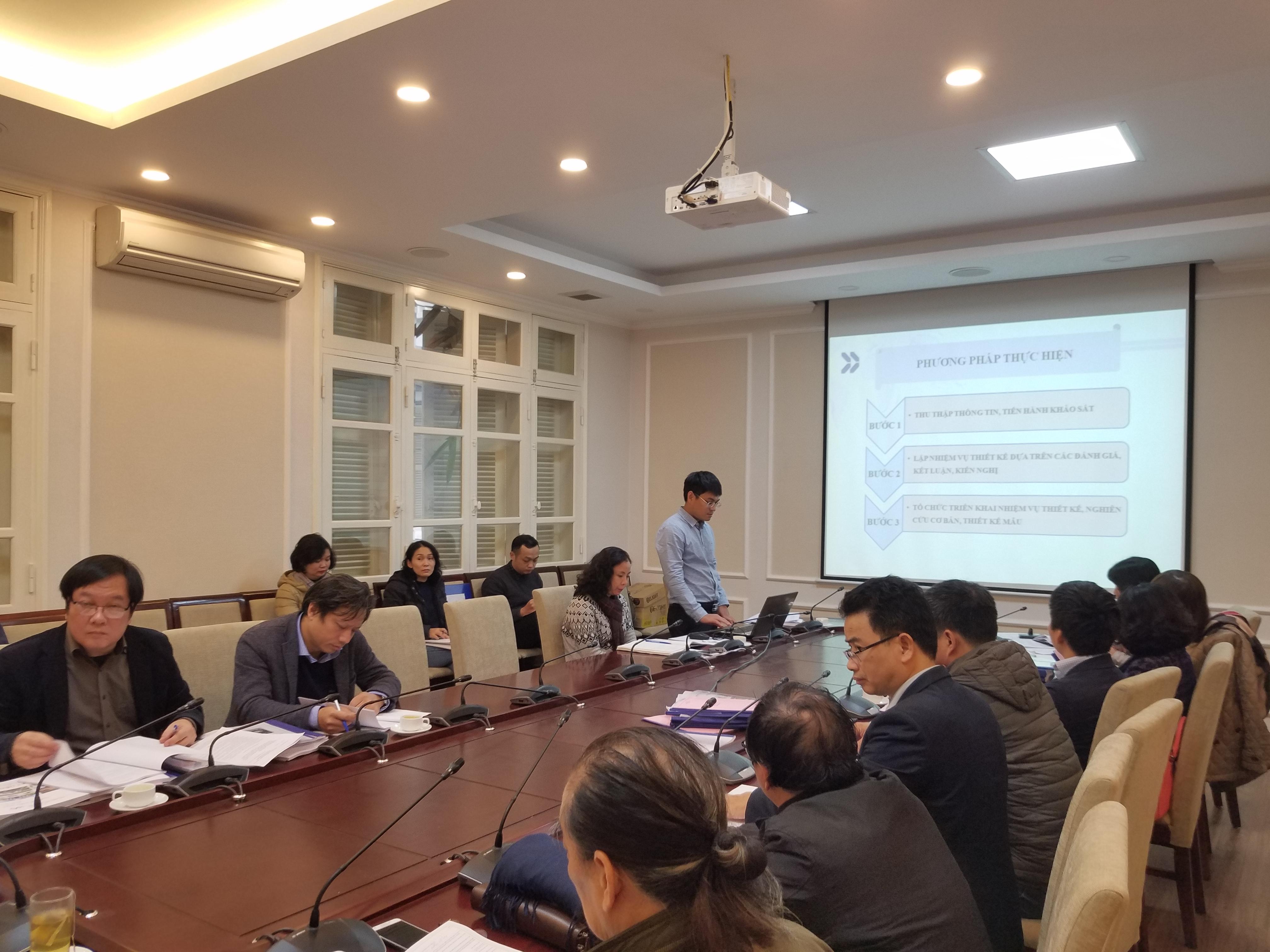 2 Ths Kts Nguyễn Quốc Hoàng - Chủ nhiệm đề tài thay mặt nhóm nghiên cứu giới thiệu một số nội dung của đề tài