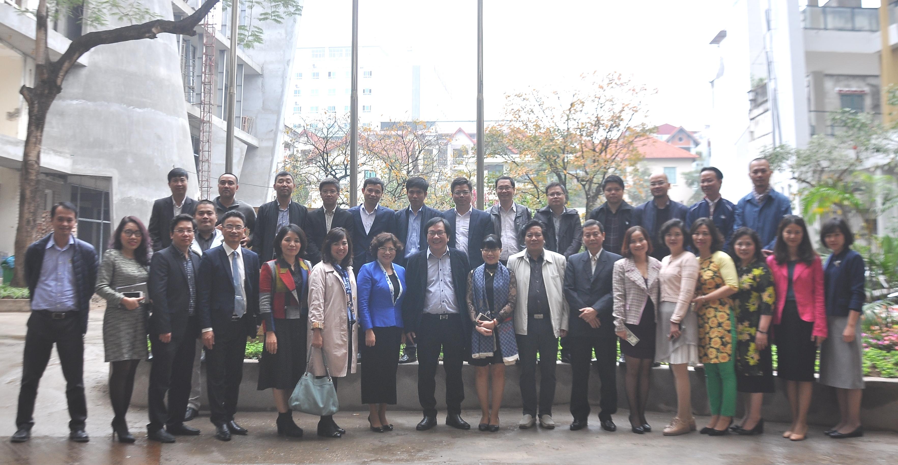 Thứ trưởng Phan Thị Mỹ Linh chúc Tết cán bộ, nhân viên Viện Kiến trúc Quốc gia