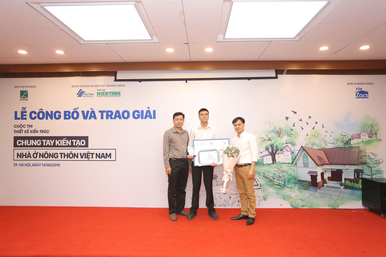 5 Trao giải Giai thiet ke duoc yeu thich nhat (Giai binh chon) cho các tác giả đạt giải.