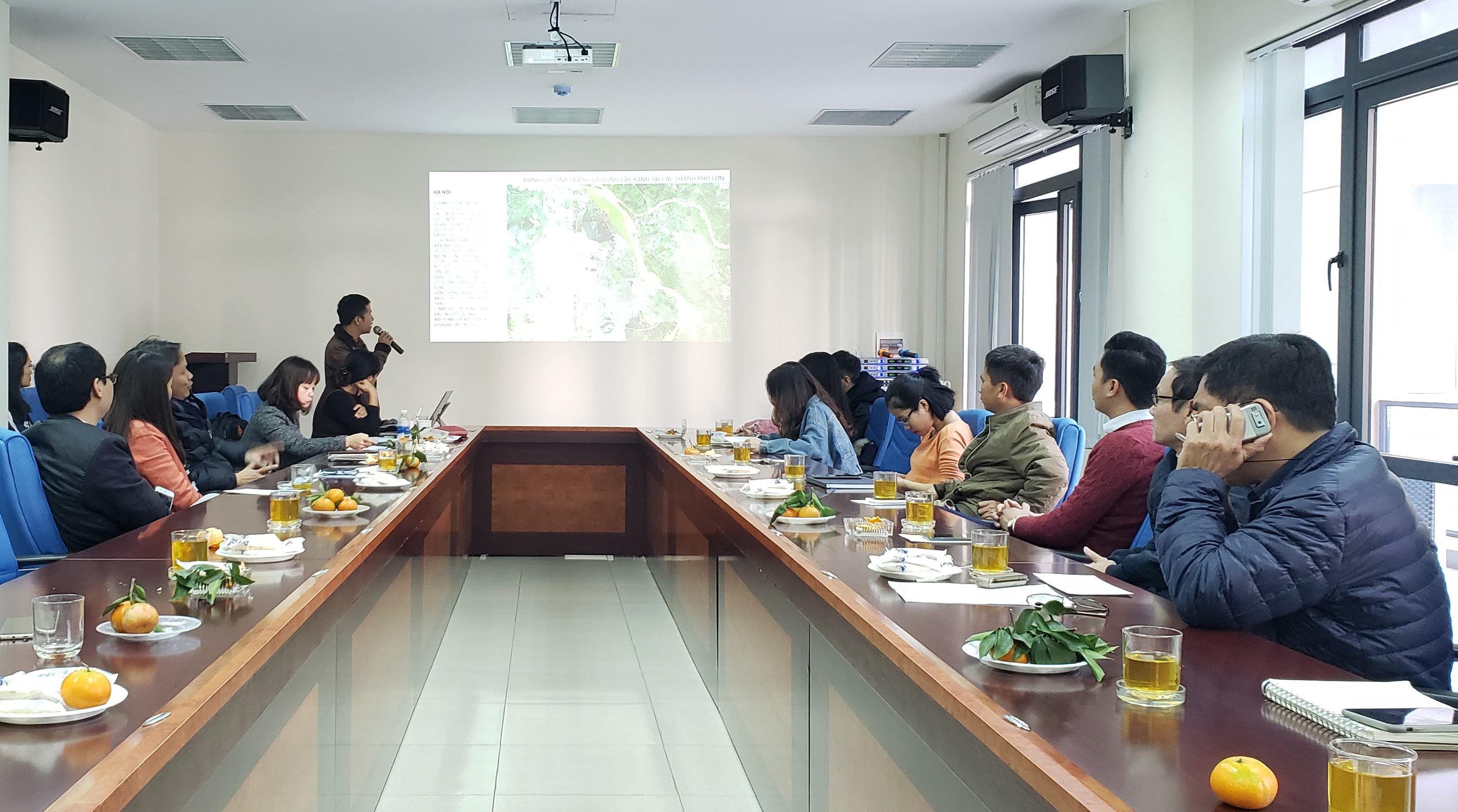 """Hội thảo """"Nghiên cứu kết hợp giữa kiến trúc và cây xanh trong xử lý không gian cảnh quan. Đề xuất sửa đổi các quy định về quản lý có liên quan đến cây xanh đô thị"""""""