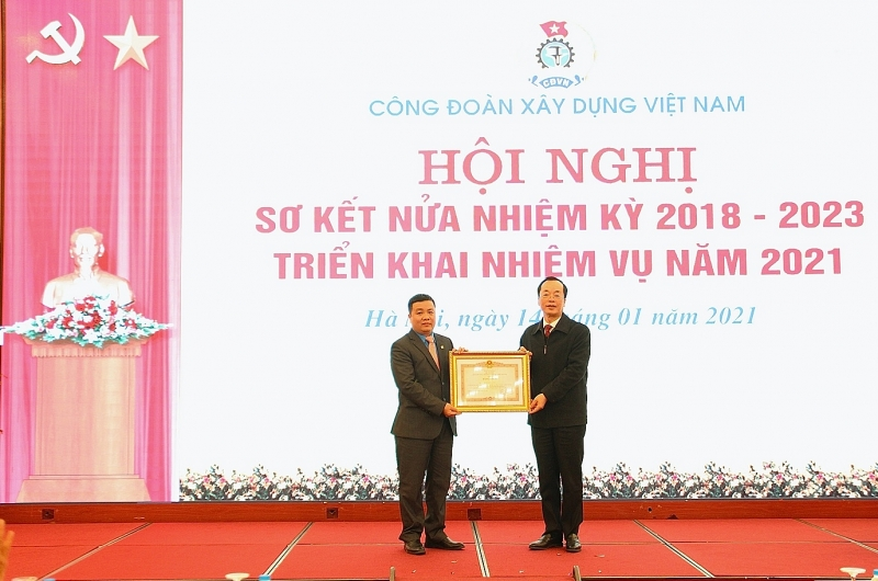 Công đoàn Xây dựng Việt Nam sơ kết hoạt động Công đoàn nửa nhiệm kỳ 2018-2023