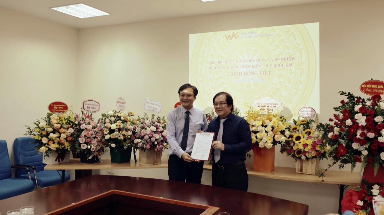 Trao Quyết định bổ nhiệm Phó Viện trưởng Viện Kiến trúc Quốc gia